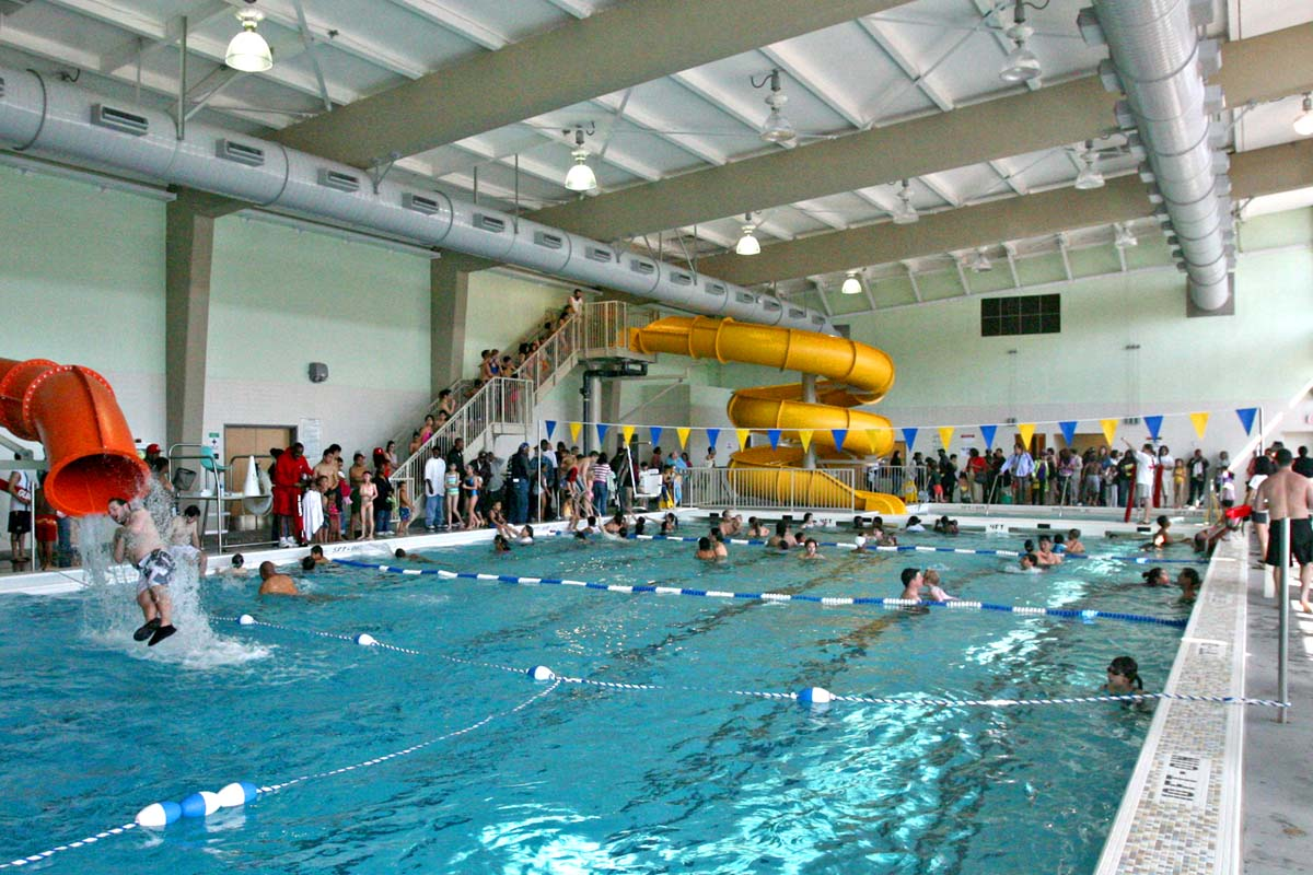 Sf 39 s free water park day with indoor slides fillmore dist - Indoor swimming pool with slides london ...