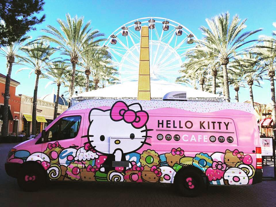 Hello Kitty Truck Comes to SF | Japantown