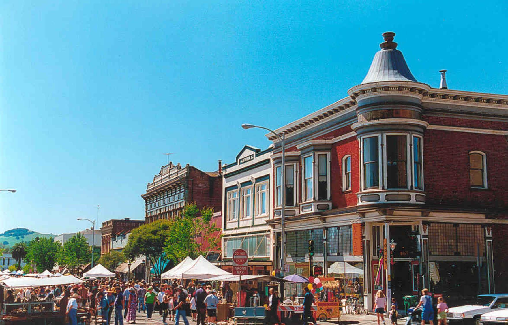 Annual Petaluma Fall Antique Faire | Historic Downtown