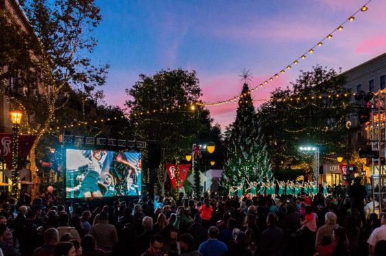 2018 Santana Row 40-Foot Tree Lighting: Hello Kitty
