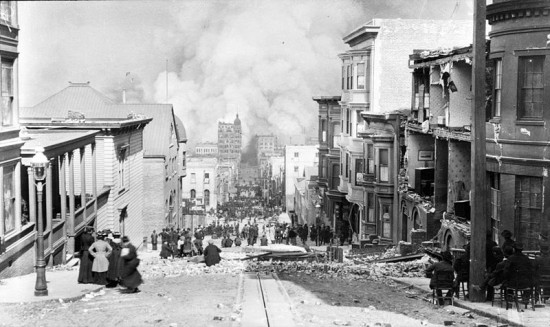 800px-San_Francisco_Fire_Sacramento_Street_1906-04-18[1]