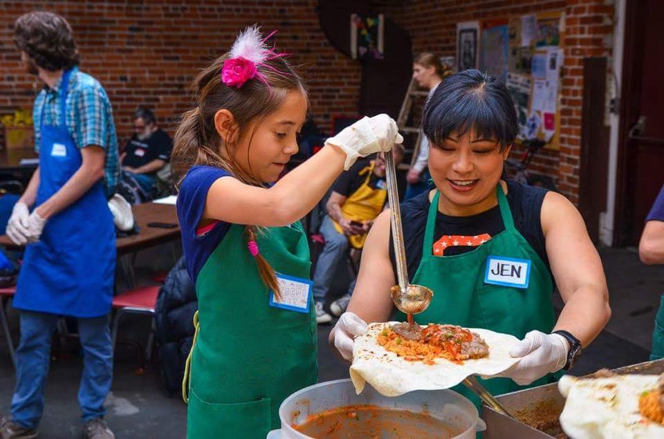 "Free Cheap Sf >> SF's ""Burrito Project"" Volunteer Feeding the Hungry | SF"
