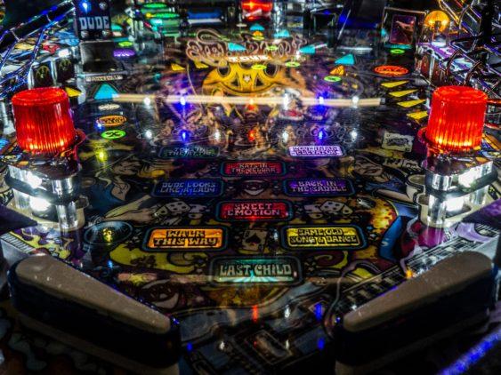 Pinball machine table game1 563x422