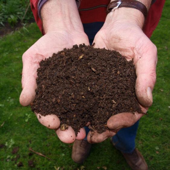 Soil 563x563
