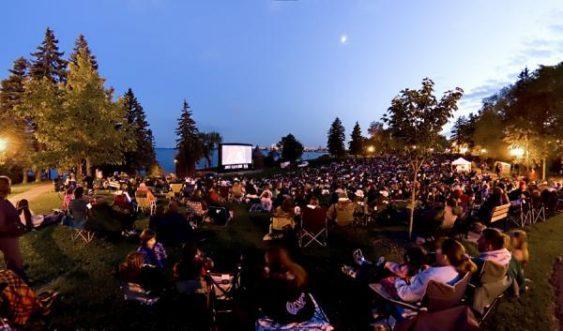 Movie in park 1 563x331